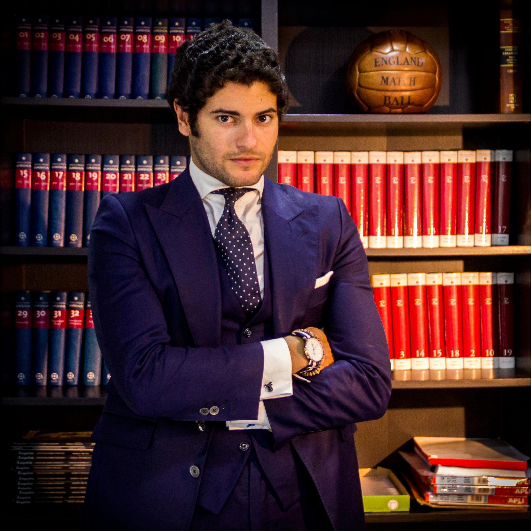Fernando Aguilar abogado litigación y Derecho hipotecario