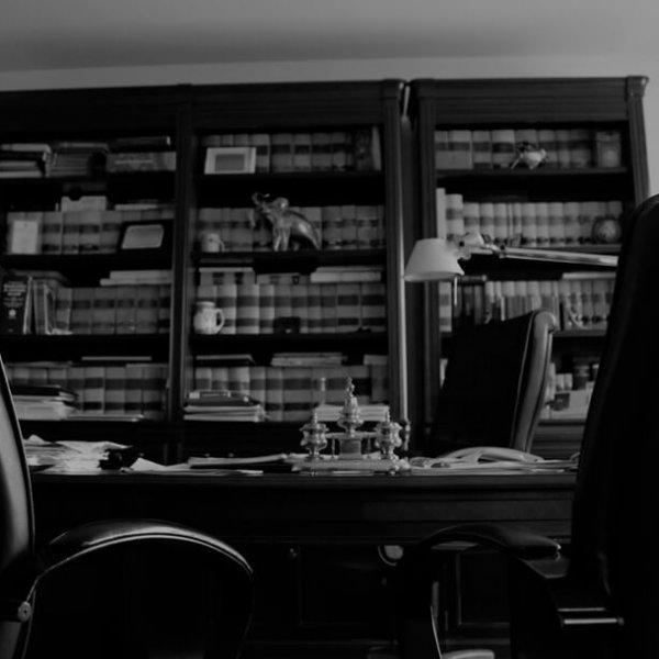 Consulta-legal-abogados-contacto